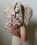 Anioł z bukietem wys. 35cm